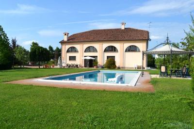 Villa in Vendita a Castelmassa