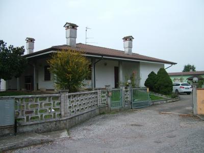 Villa Singola in Vendita a Sustinente