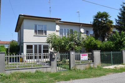 Porzione di bifamiliare in Vendita a Castelmassa