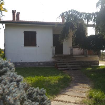 Villa Singola in Vendita a Ostiglia