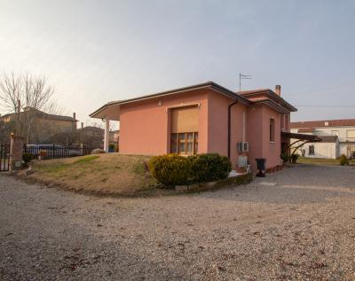 Casa singola in Vendita a Bergantino