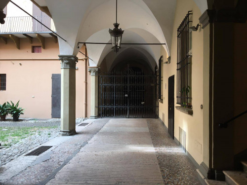 Appartamento in Affitto a Bologna