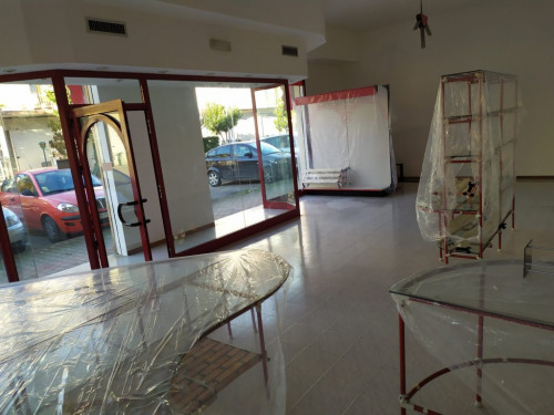 Locale commerciale in Affitto a Monteprandone