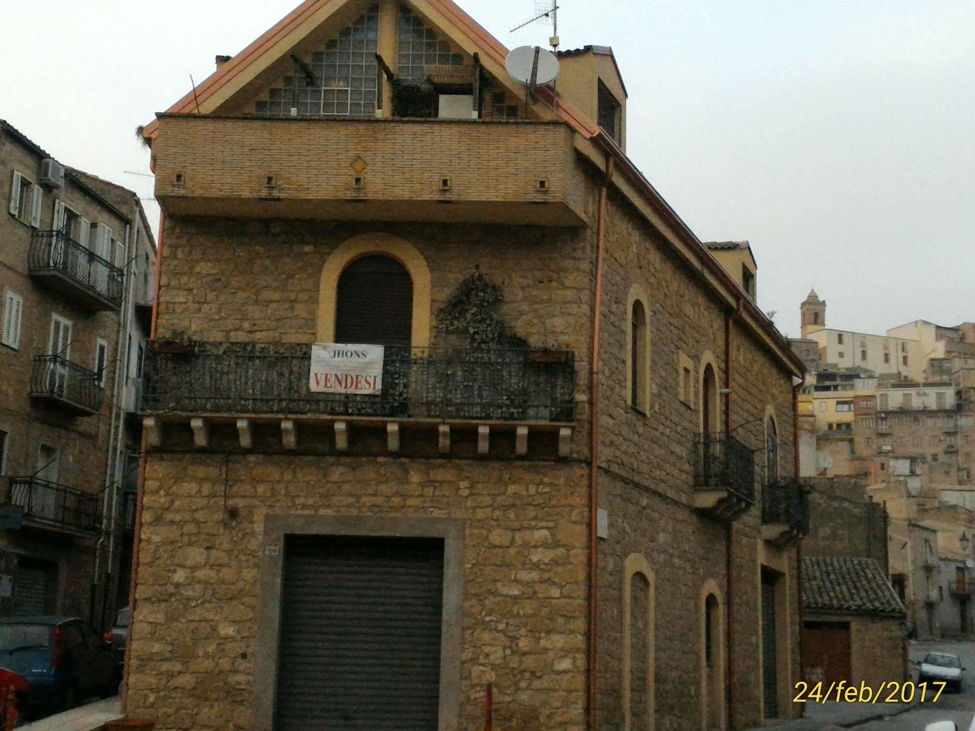 Casa indipendente in vendita a Piazza Armerina (EN)