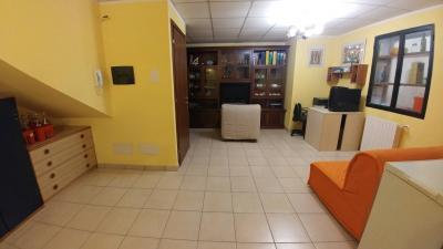 Appartamento in Vendita a Locate Varesino