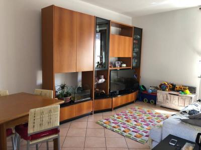Appartamento in Affitto a Gorla Minore
