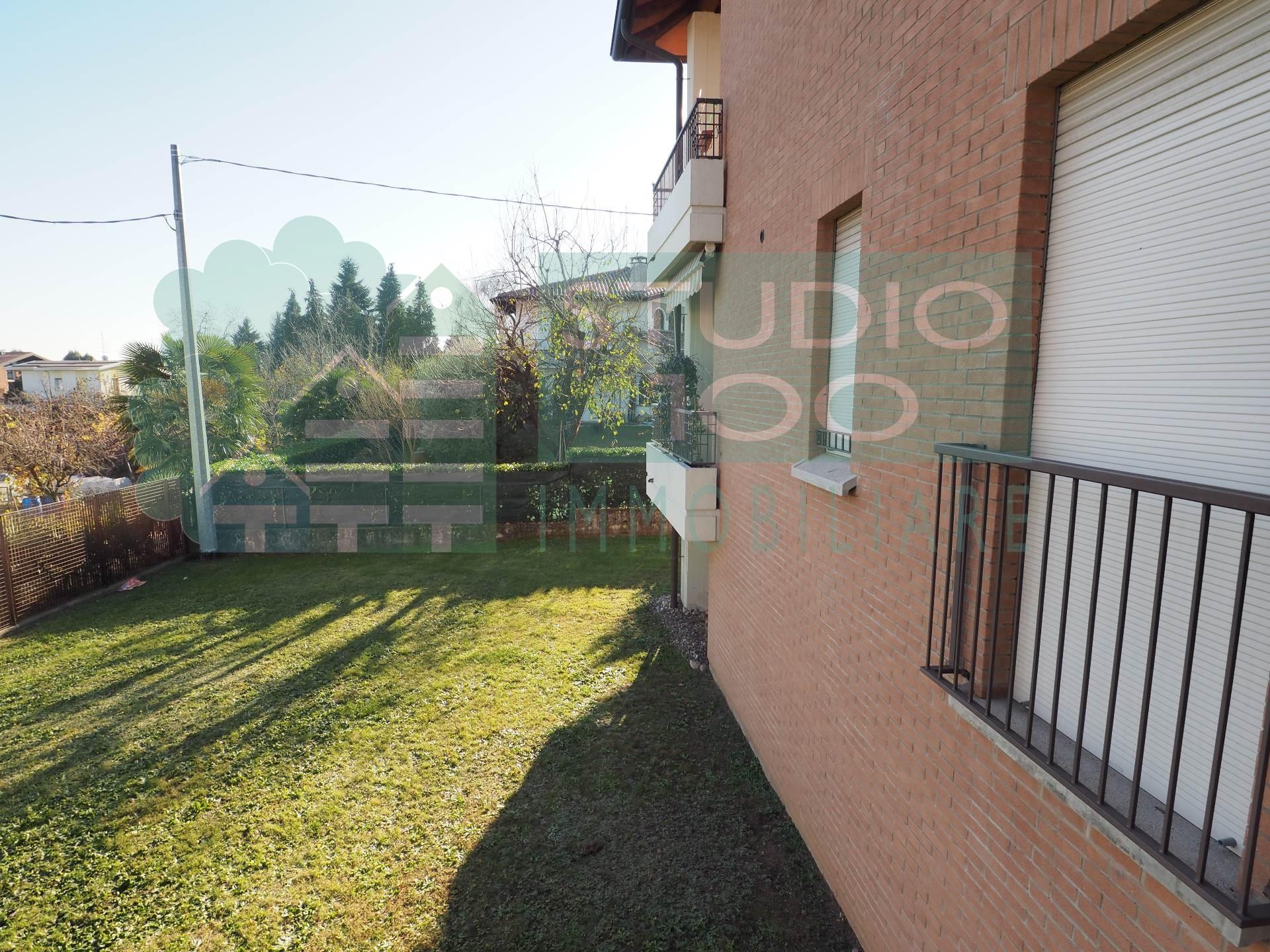 Appartamento in affitto a Cardano al Campo, 2 locali, zona Zona: Cuoricino, prezzo € 450   CambioCasa.it