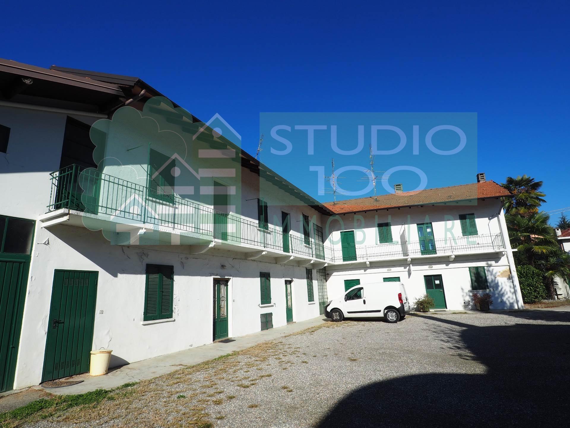 Soluzione Indipendente in vendita a Besnate, 6 locali, prezzo € 190.000 | Cambio Casa.it