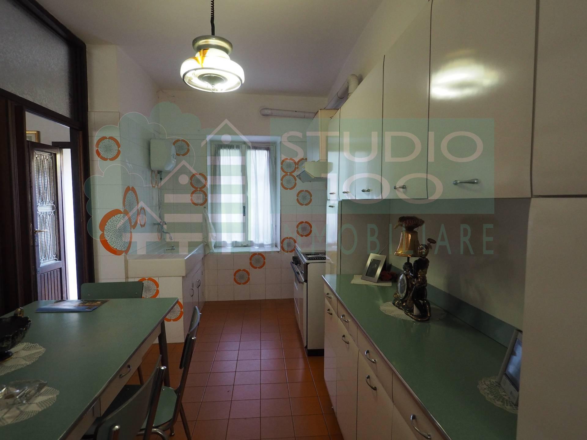 Appartamento in vendita a Casorate Sempione, 3 locali, prezzo € 55.000 | CambioCasa.it