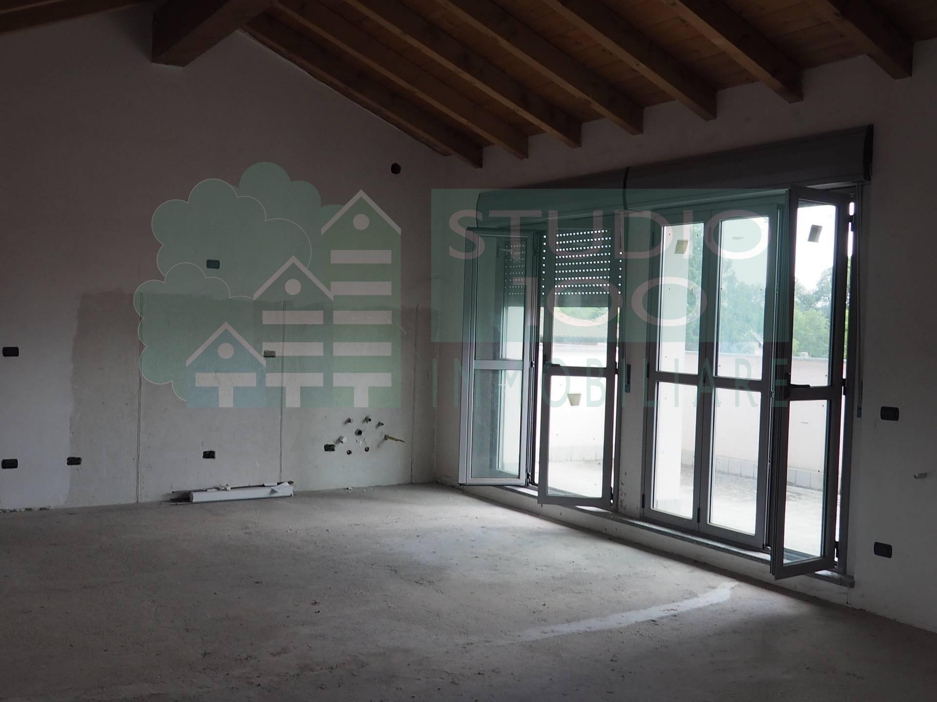 Appartamento in vendita a Arsago Seprio, 3 locali, zona Località: C.naRoncodiDiana, prezzo € 152.000 | CambioCasa.it