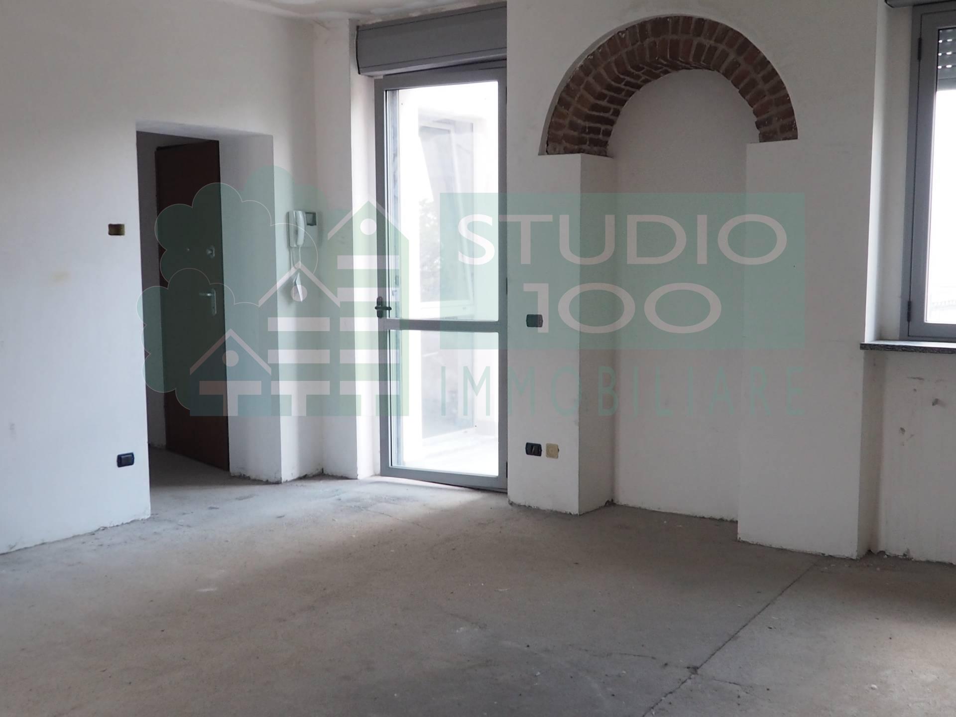 Appartamento in vendita a Arsago Seprio, 2 locali, zona Località: C.naRoncodiDiana, prezzo € 139.000 | CambioCasa.it