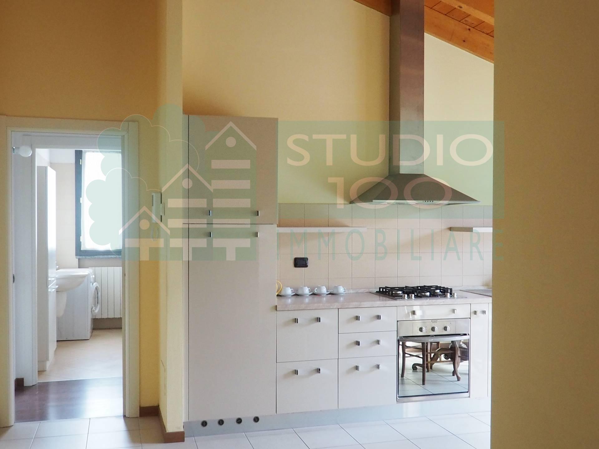 Appartamento in vendita a Casorate Sempione, 2 locali, prezzo € 95.000 | CambioCasa.it