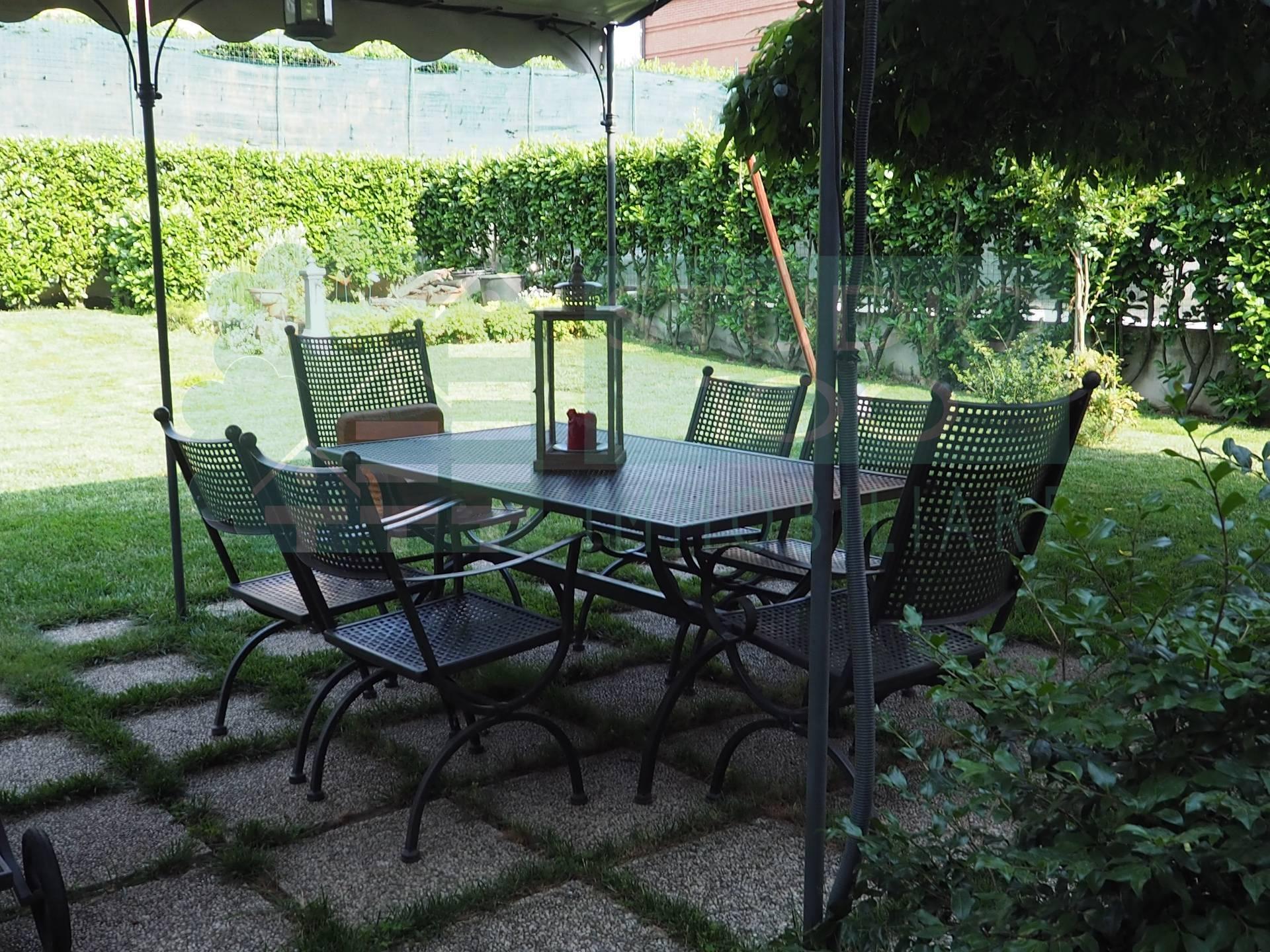 Villa in vendita a Casorate Sempione, 5 locali, zona Località: CascinaMasnaga, prezzo € 295.000 | CambioCasa.it