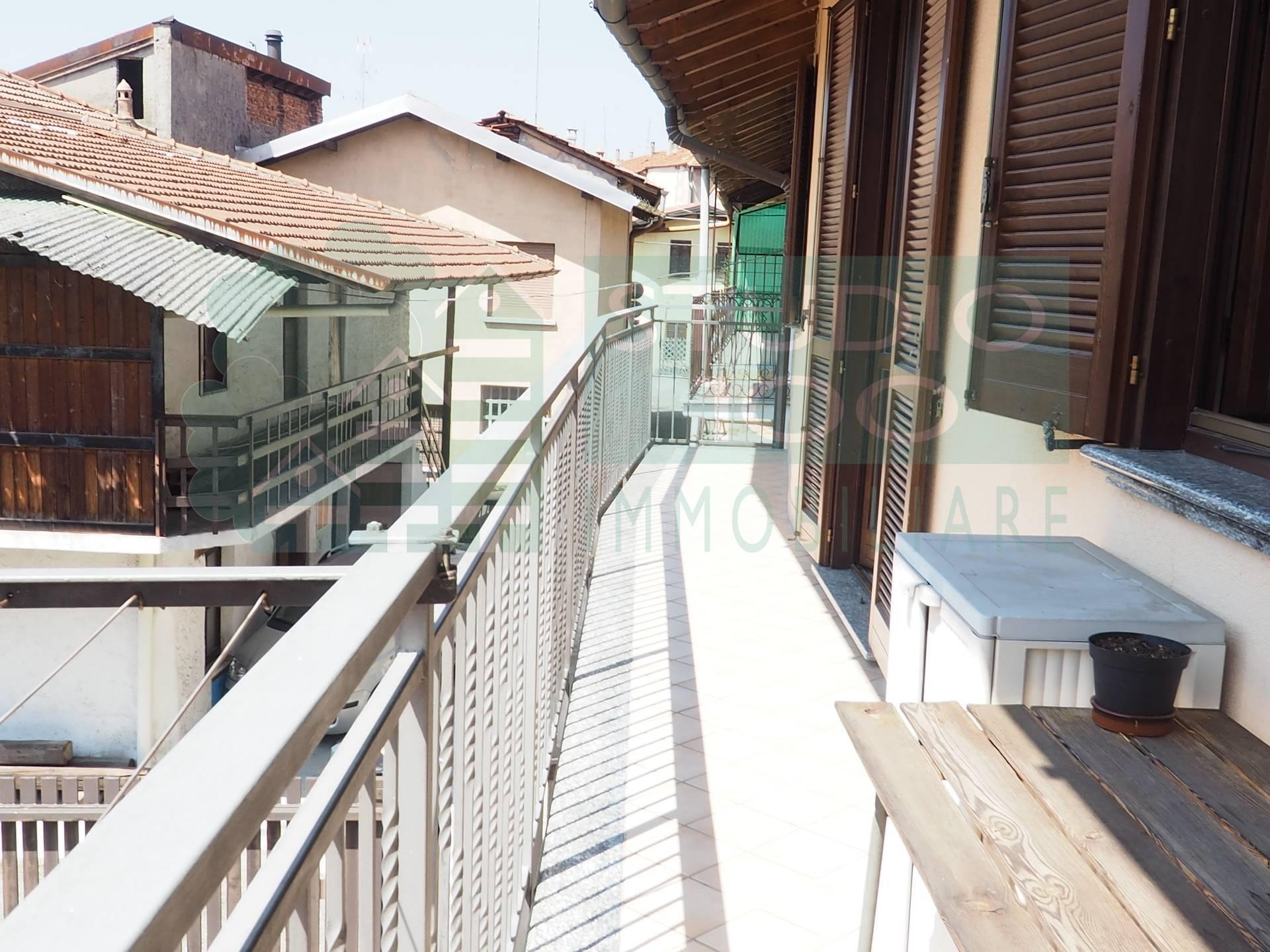 Appartamento in vendita a Arsago Seprio, 3 locali, prezzo € 120.000 | CambioCasa.it