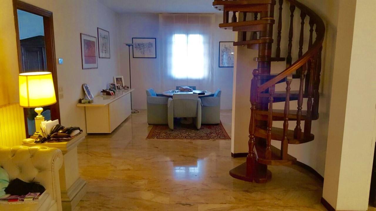 Attico / Mansarda in vendita a Carpi, 8 locali, prezzo € 375.000 | Cambio Casa.it