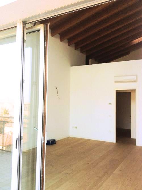 Attico / Mansarda in vendita a Carpi, 6 locali, prezzo € 320.000 | Cambio Casa.it