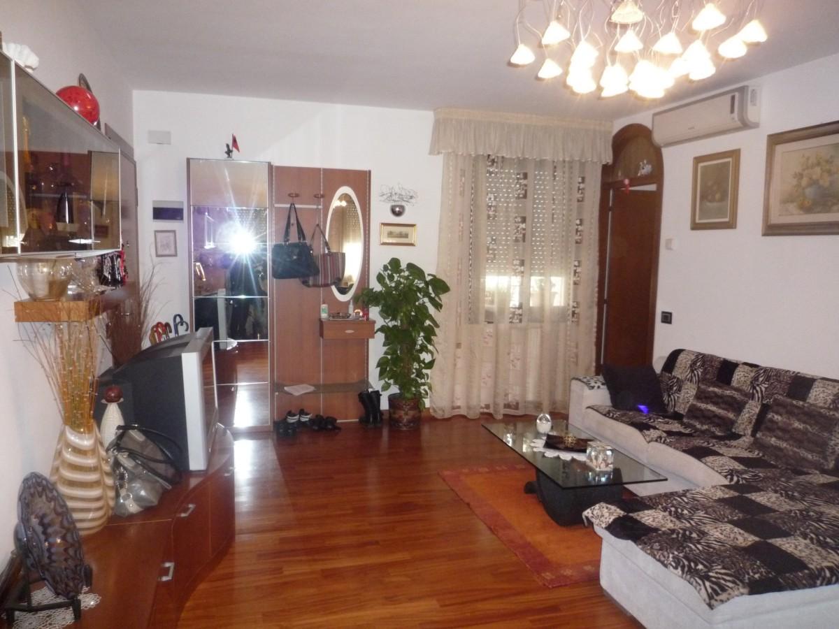 Appartamento in vendita a Cavallino-Treporti, 7 locali, zona Località: CaSavio, prezzo € 250.000 | CambioCasa.it