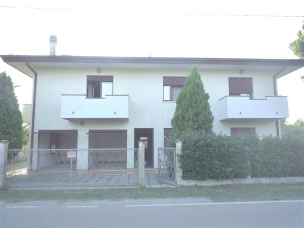 Soluzione Indipendente in vendita a Cavallino-Treporti, 12 locali, zona Località: CaSavio, prezzo € 380.000   CambioCasa.it