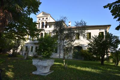 Villa in Vendita a Mirano