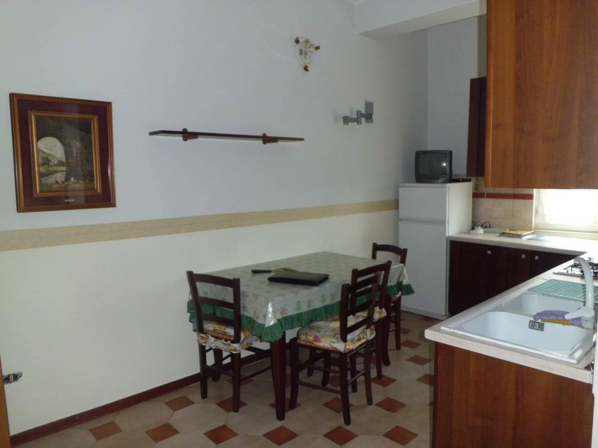 Appartamenti in affitto a napoli in zona piazza romano for Appartamenti arredati napoli