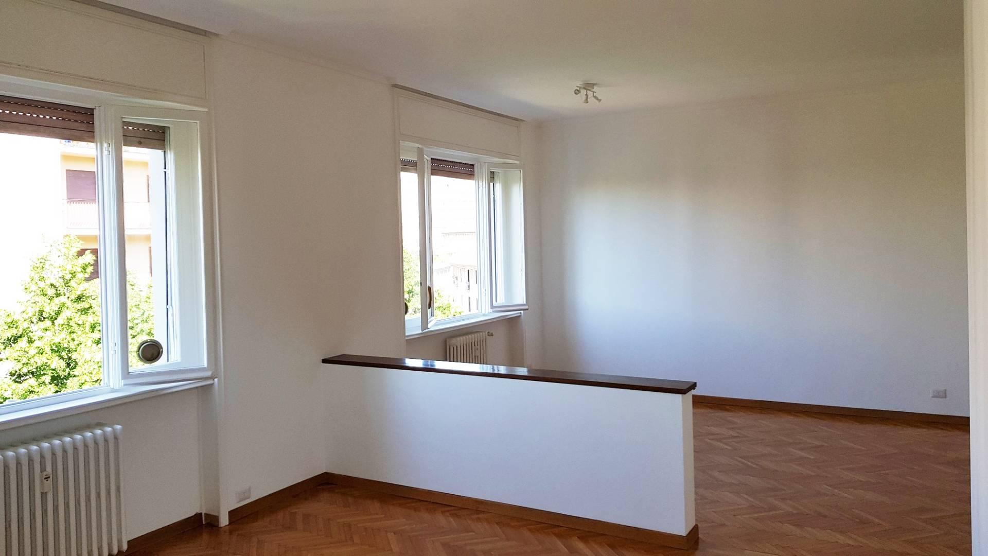 Appartamento in affitto a Busto Arsizio, 5 locali, zona Zona: Centro, prezzo € 700   CambioCasa.it