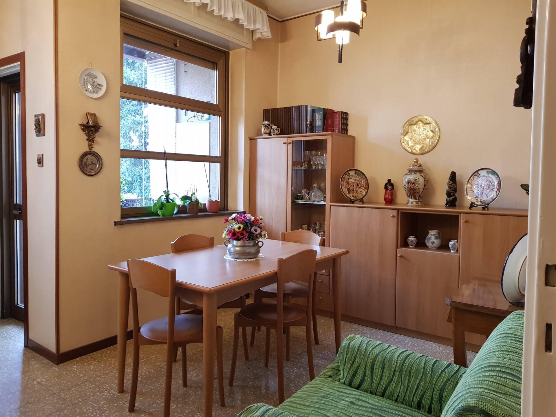Appartamento in vendita a Busto Arsizio, 3 locali, zona Località: S.Anna, prezzo € 52.000 | CambioCasa.it