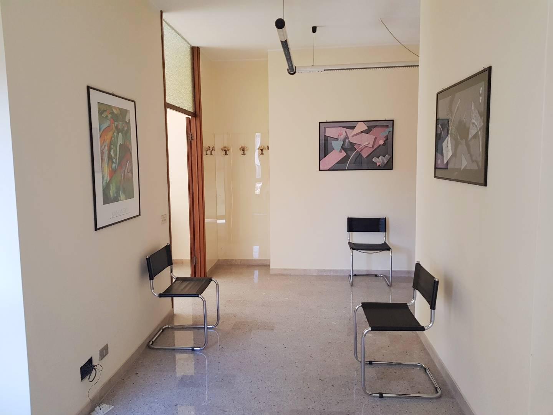 Ufficio / Studio in affitto a Busto Arsizio, 9999 locali, zona Località: Tribunale, prezzo € 600 | CambioCasa.it
