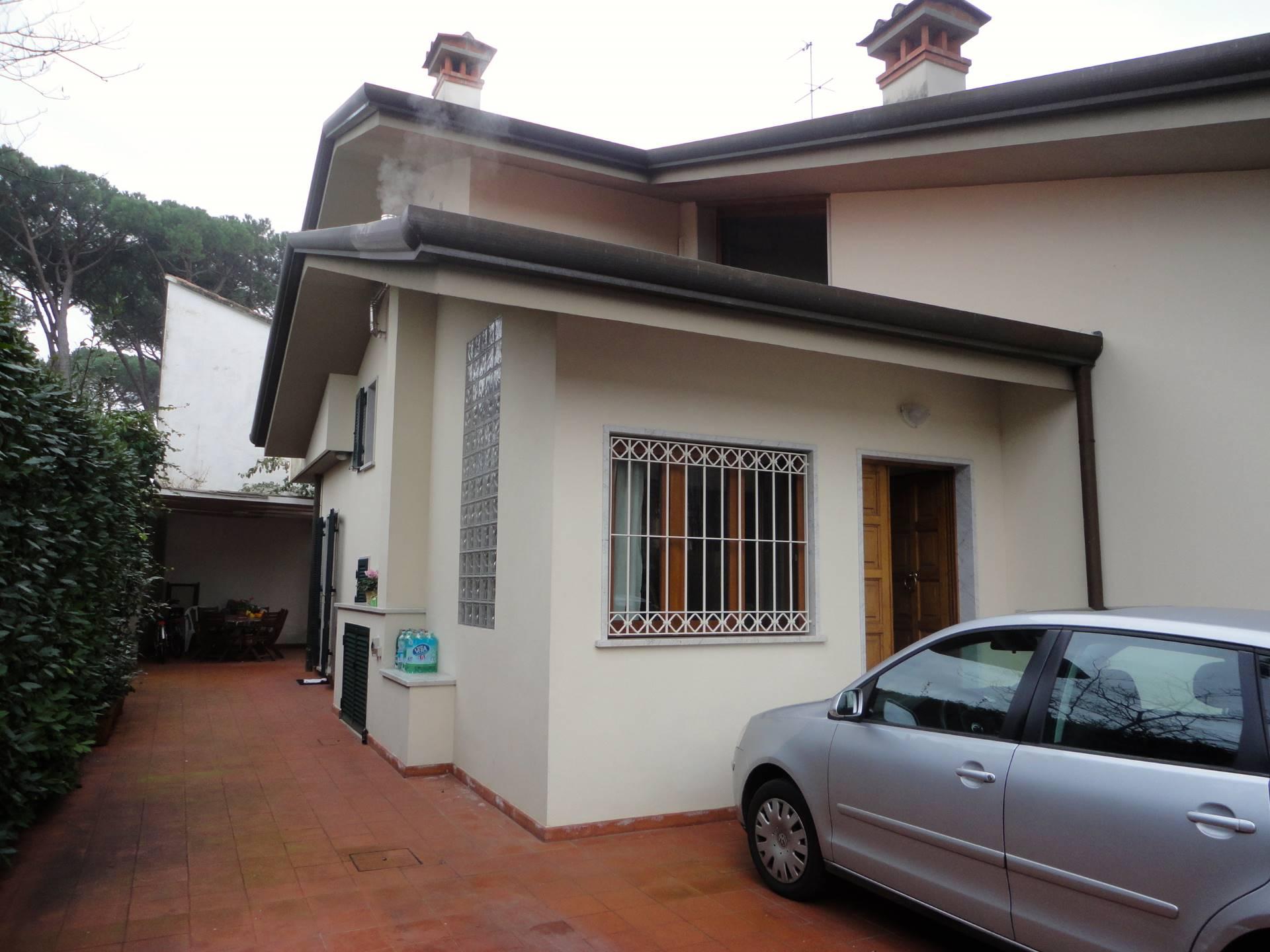affitto villa bifamiliare forte dei marmi centro  6 locali  120 mq
