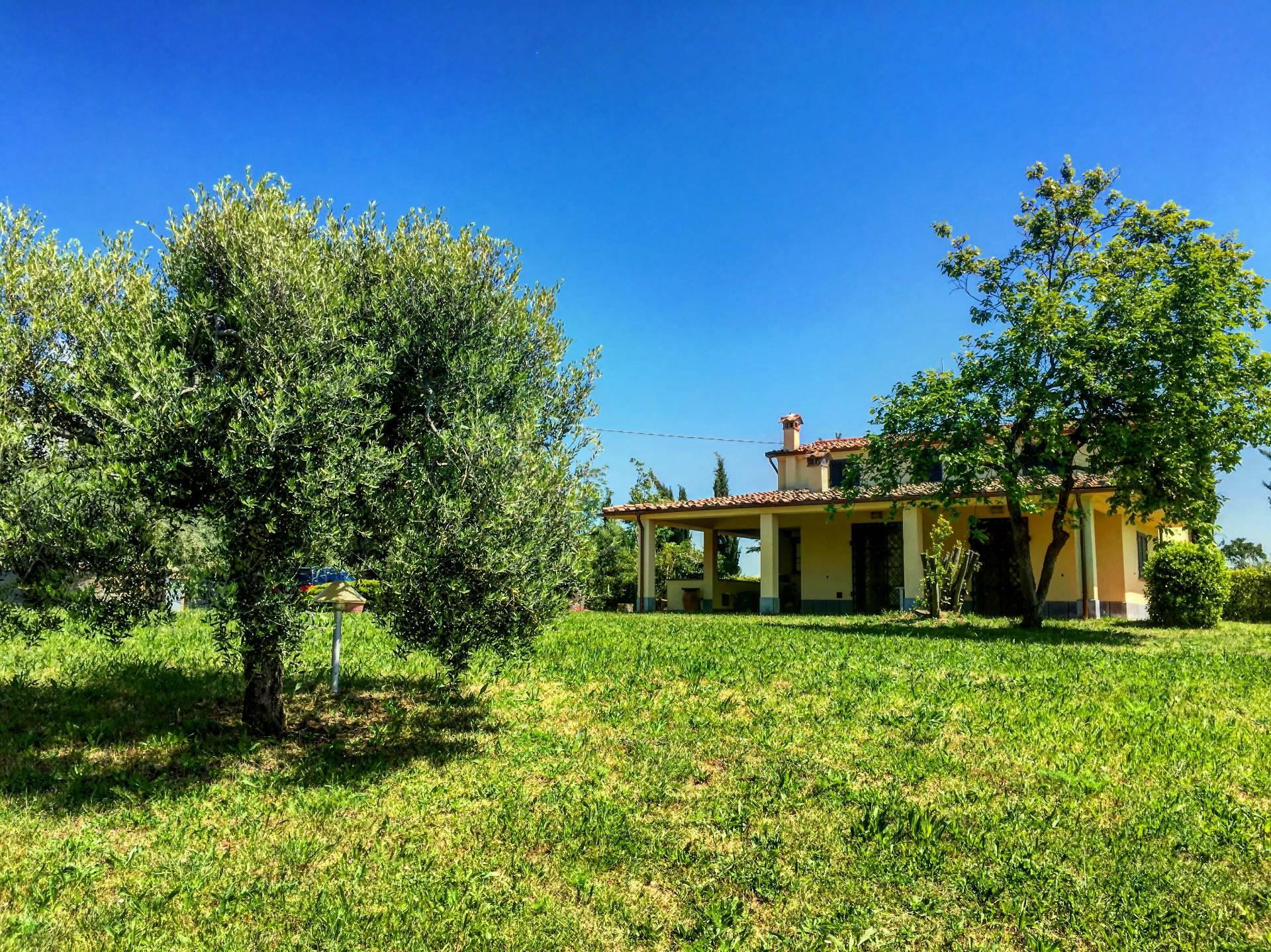Villa in vendita a Fauglia, 9 locali, Trattative riservate | Cambio Casa.it