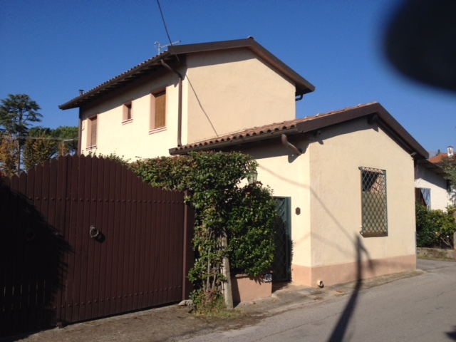 Soluzione Indipendente in vendita a Forte dei Marmi, 5 locali, zona Zona: Caranna, prezzo € 570.000 | Cambio Casa.it