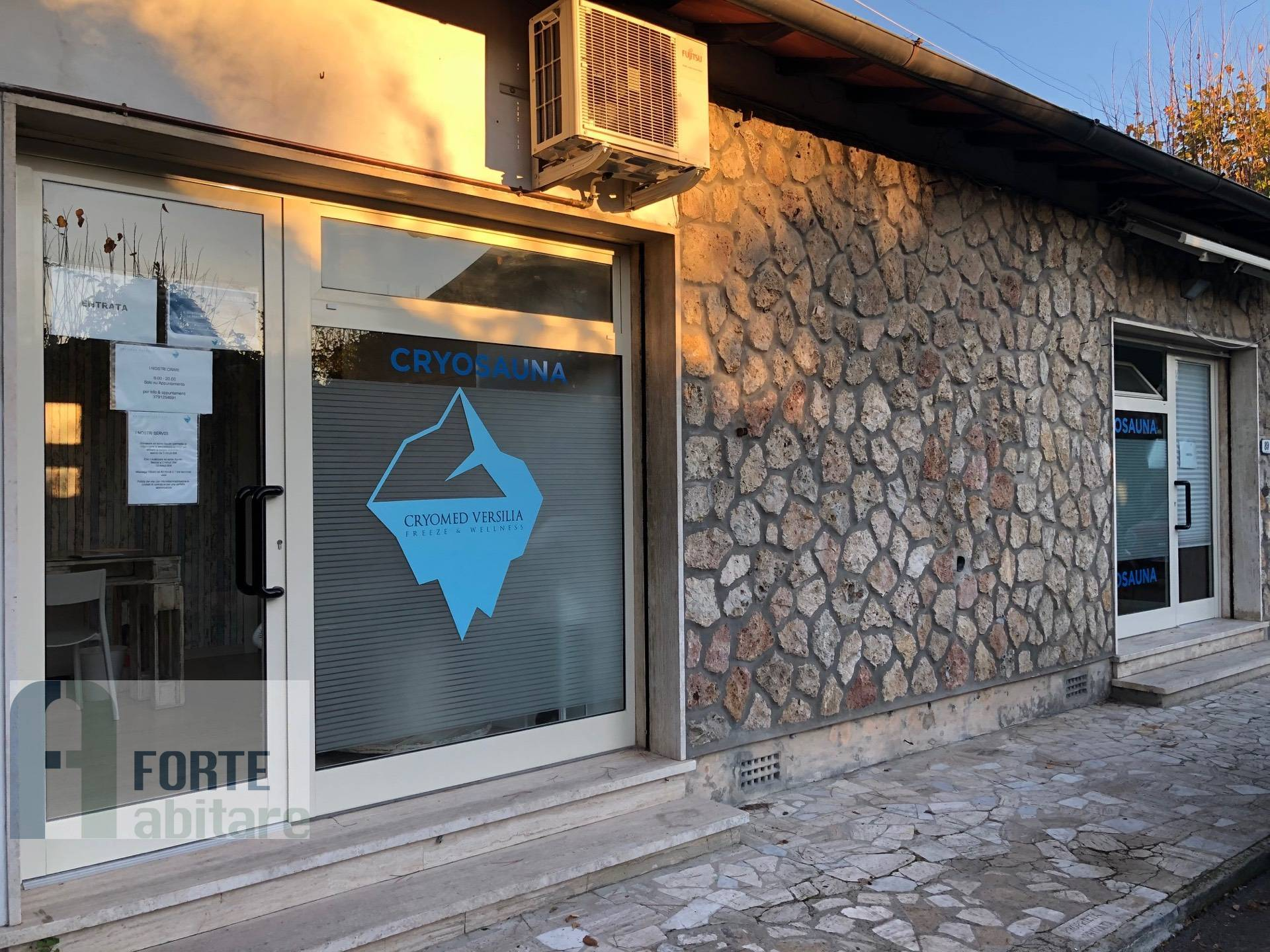 Negozio / Locale in affitto a Forte dei Marmi, 9999 locali, zona Zona: Caranna, prezzo € 15.000 | CambioCasa.it
