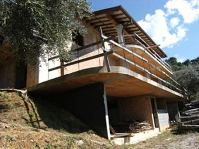 Single family house for Sale to Pietrasanta