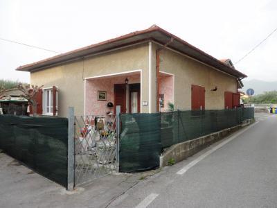 Casa singola in Vendita a Forte dei Marmi