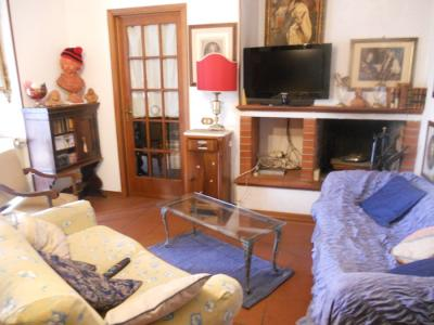 Apartment for Holiday rent to Seravezza