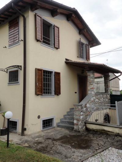 Terratetto in Affitto stagionale a Seravezza