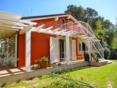 Small villa for Holiday rent to Pietrasanta