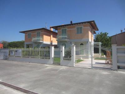 Porzione di villetta bifamiliare in Vendita a Pietrasanta