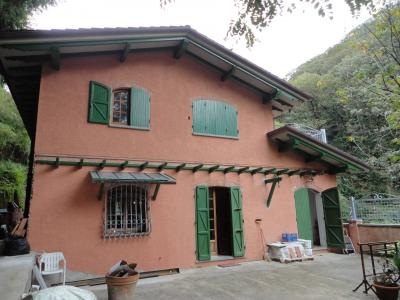 Single family house for Sale to Stazzema