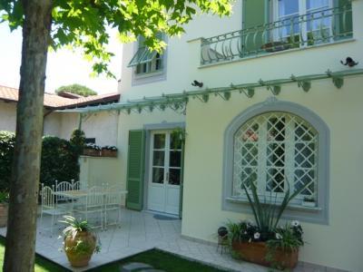 Semi-detached house for Sale to Forte dei Marmi