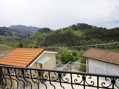 Terraced town house for Holiday rent to Pietrasanta
