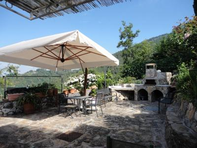 Small villa for Sale to Montignoso
