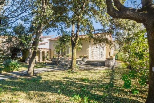 Small villa for Sale to Forte dei Marmi
