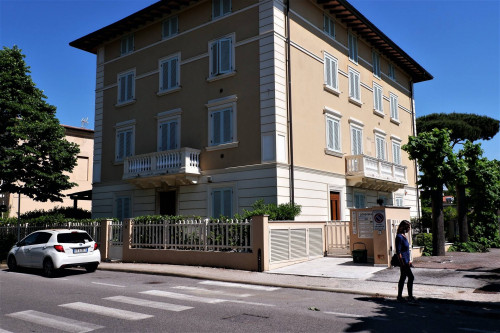 Apartment for Holiday rent to Camaiore