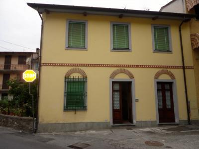 Apartment for Sale to Montignoso