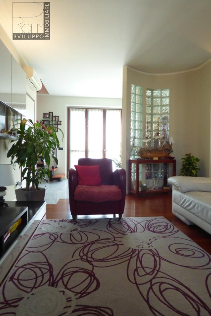 Appartamento in vendita a Paullo, 3 locali, prezzo € 195.000   Cambio Casa.it