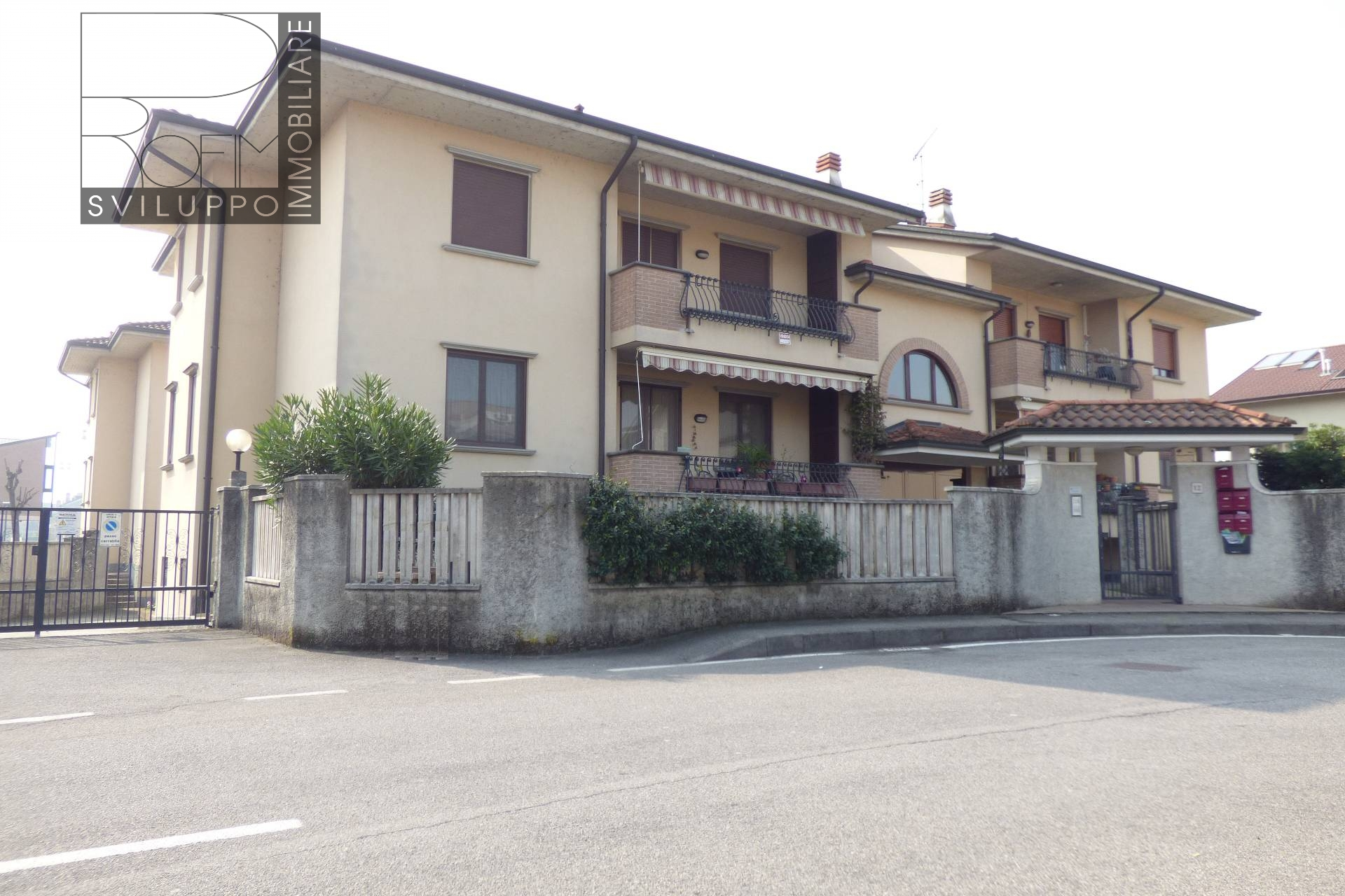 Appartamento in affitto a Settala, 3 locali, zona Zona: Caleppio, prezzo € 200.000 | Cambio Casa.it