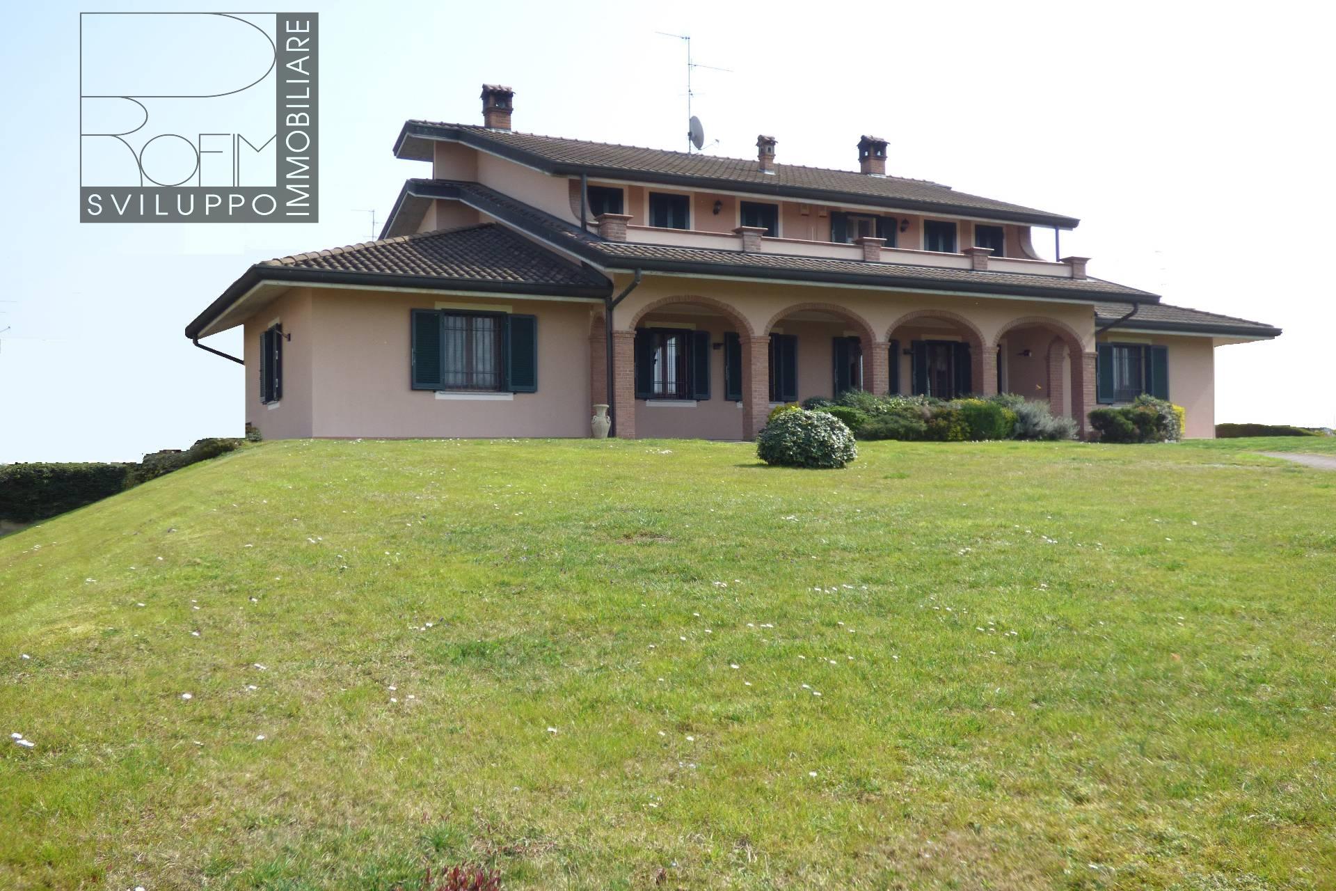 Villa in vendita a Zelo Buon Persico, 12 locali, prezzo € 730.000 | Cambio Casa.it