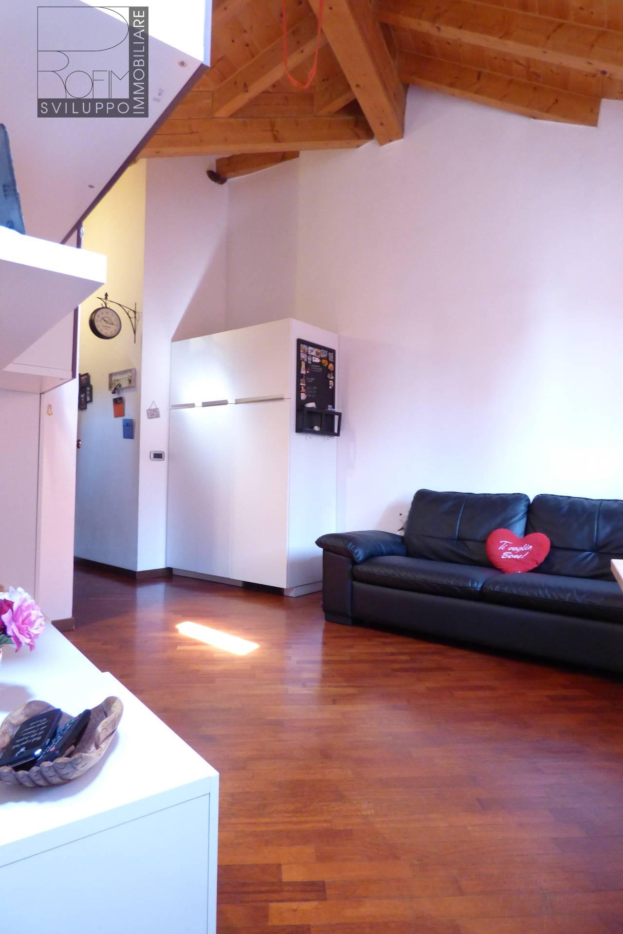 Appartamento in vendita a Mulazzano, 2 locali, zona Zona: Quartiano, prezzo € 82.000 | Cambio Casa.it