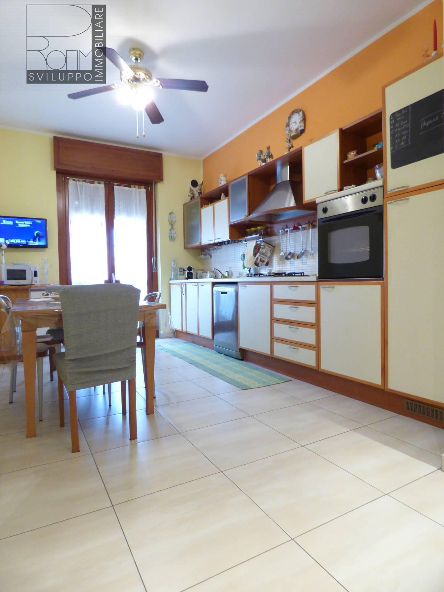 Appartamento in vendita a Paullo, 3 locali, prezzo € 160.000   CambioCasa.it