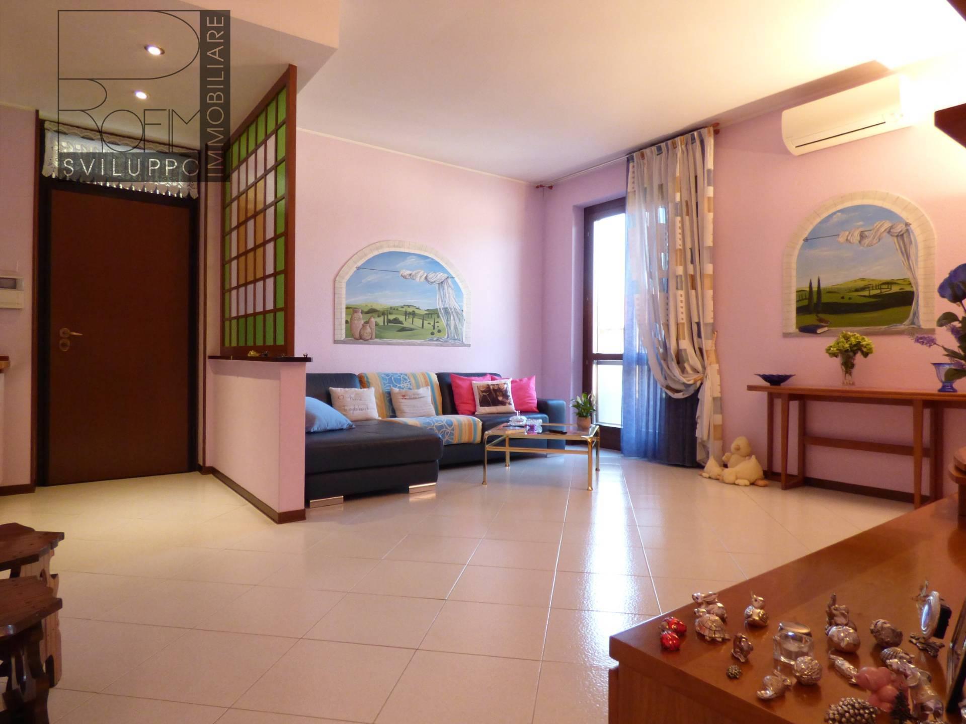 Appartamento in vendita a Paullo, 3 locali, prezzo € 145.000   CambioCasa.it